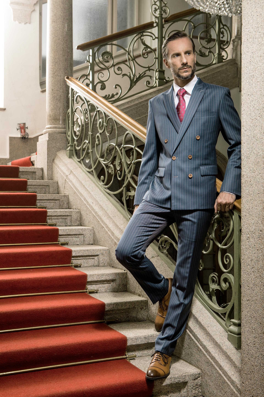 Herrenanzung In Englischer Stil 2 Reiher Anzug Mit Kreidestreifen